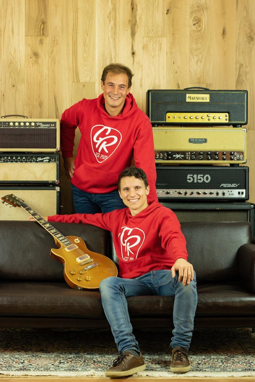 Team-Foto GR Guitars Hochformat GR8-Team