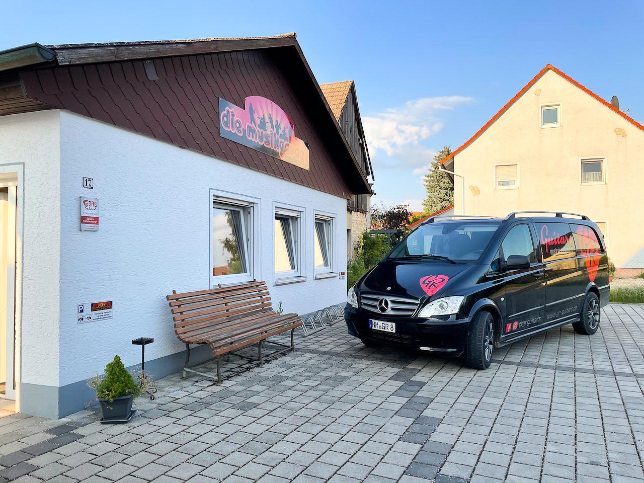 Die GR8 School in Burggriesbach, Schulstraße 17 (bei Freystadt)