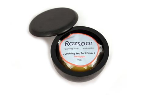 RAZZOOR - shaving soap sea buckthorn in wooden bowl – Bild 3