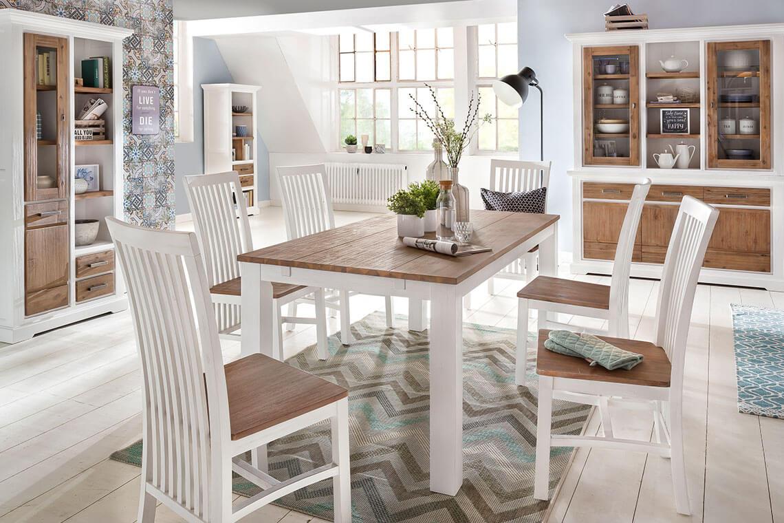 LaLe Esszimmer mit Tisch und Stühlen