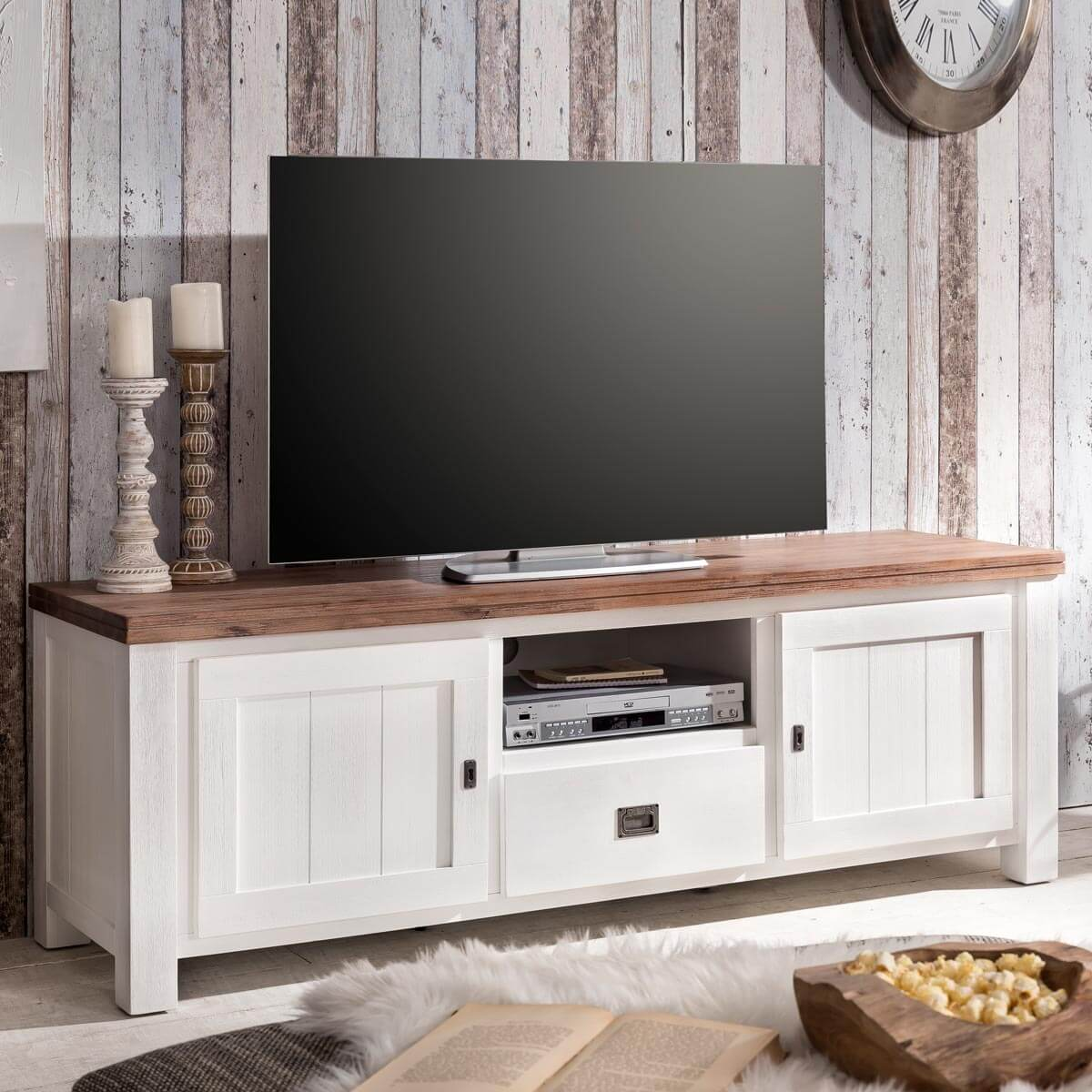 tv lowboard lyron in akazie massiv wei braun 168 cm. Black Bedroom Furniture Sets. Home Design Ideas