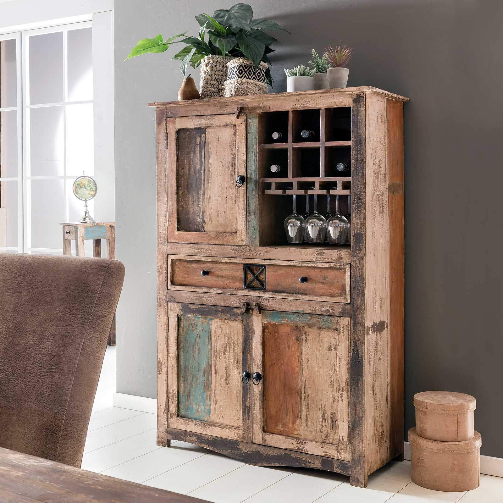 highboard largo 100cm breit aus massivholz im vintage look. Black Bedroom Furniture Sets. Home Design Ideas