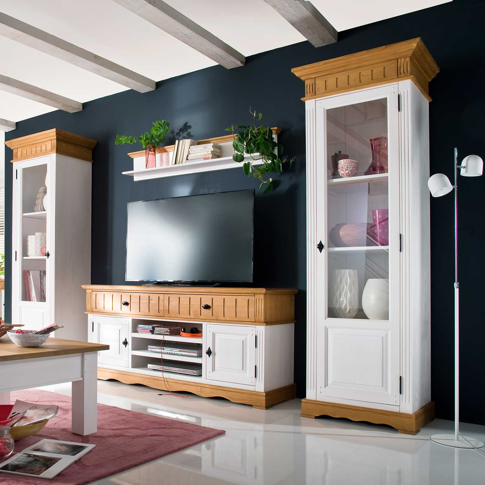 vitrine alby wei natur massiv landhausstil mit linksanschlag. Black Bedroom Furniture Sets. Home Design Ideas