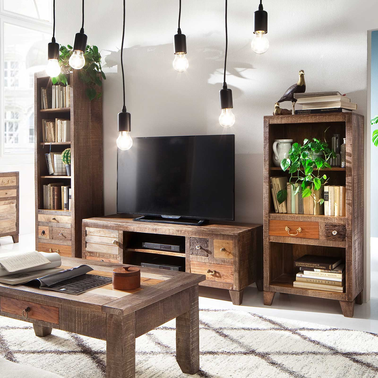 tv lowboard rano aus recyceltem massivholz 145 x 50 cm braun. Black Bedroom Furniture Sets. Home Design Ideas