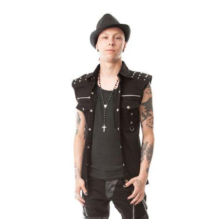klassisches PunkShirt mit Nieten an den Schultern, dass offen auch als PunkWeste getragen werden kann