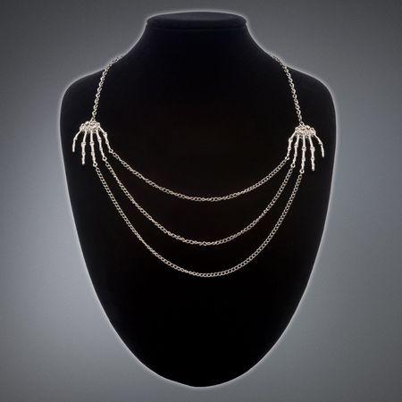 NECKLACE: Halskette silbern mit Skeletthänden