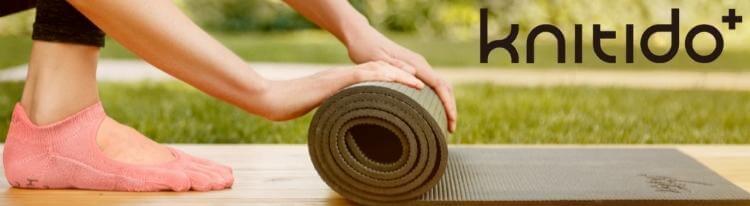 knitido plus mary jane toe socks for Pilates and yoga