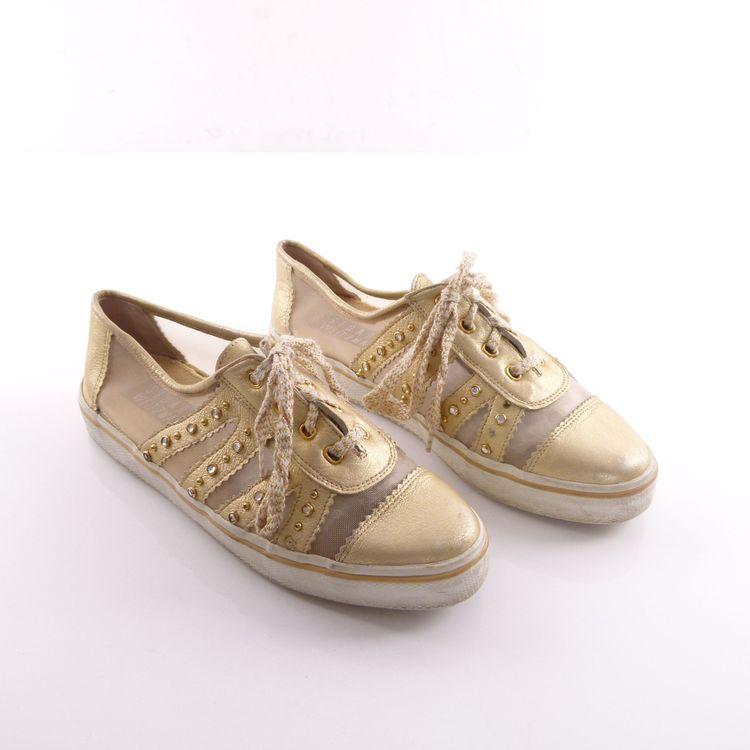 Stuart Weitzman Echt Leder Sneaker Turn Schuhe Gr. 37 Gold Strass Nieten (HH) – Bild 1