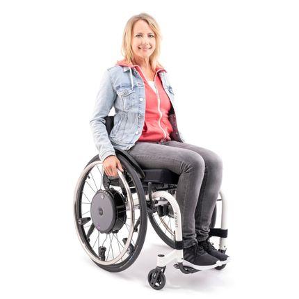 """Alber E-Motion M25 (Neu) kraftverstärkender Zusatzantrieb für Rollstühle, unterstützt Ihre Restkraft, 24""""-Rad, inkl. ECS Fernbedienung, zum Anbau an Ihren Rollstuhl"""