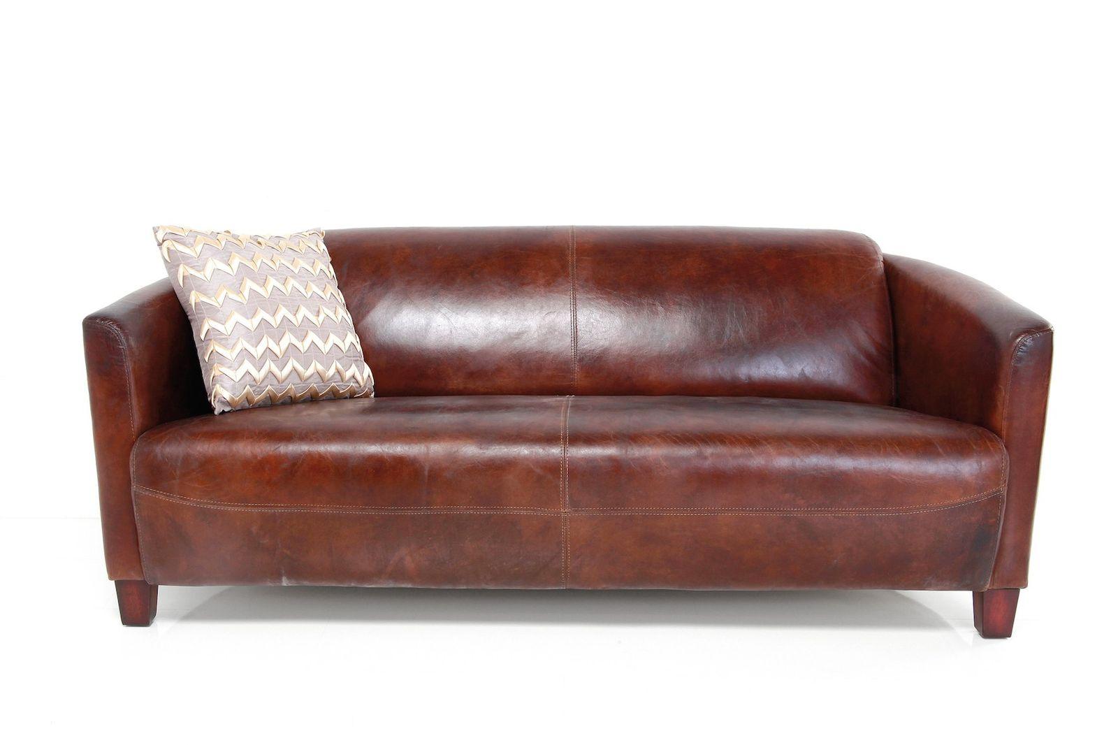 Sofa Cigar Lounge