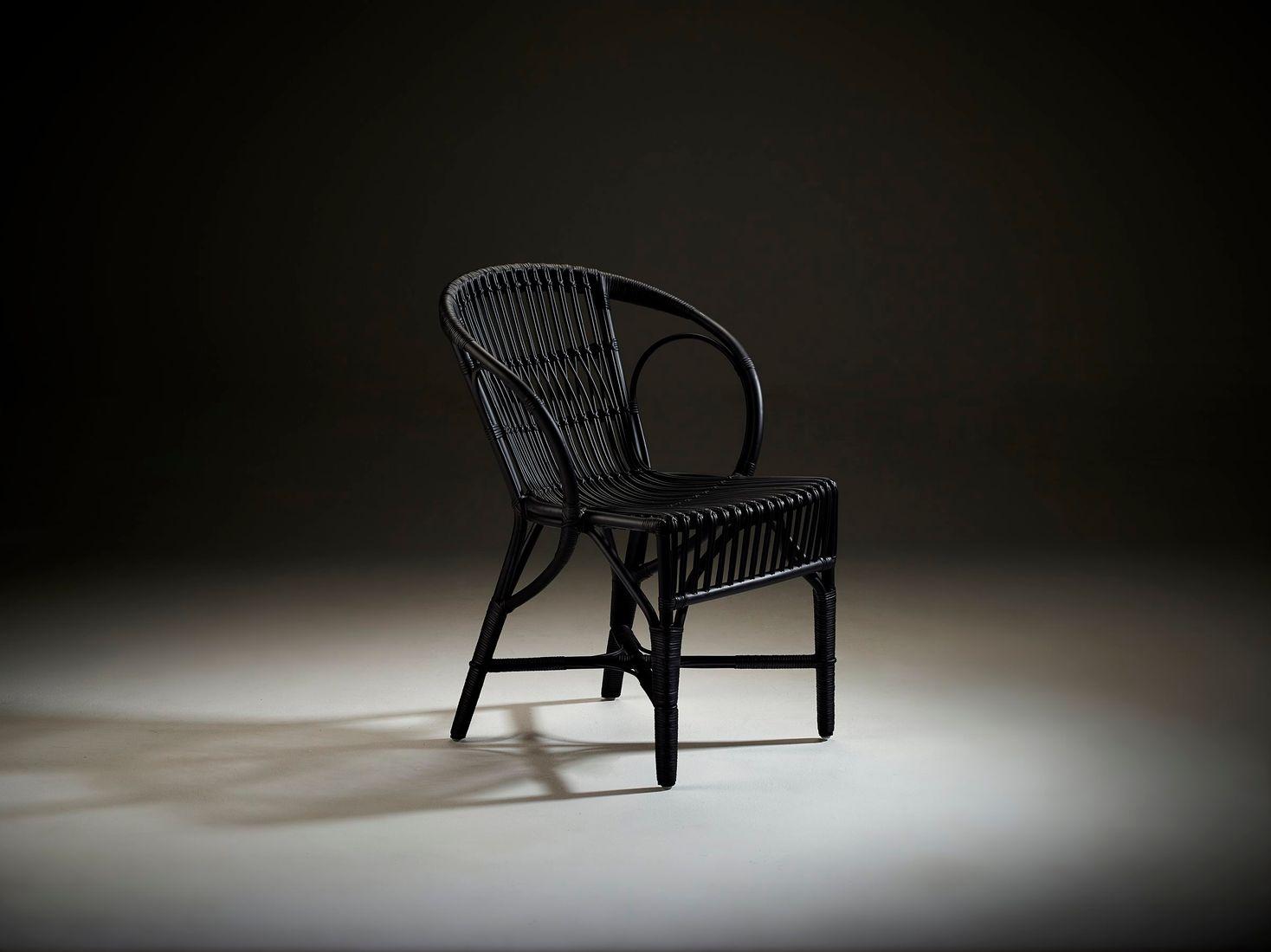 sika rattan stuhl wengler schwarz design by r wengler. Black Bedroom Furniture Sets. Home Design Ideas