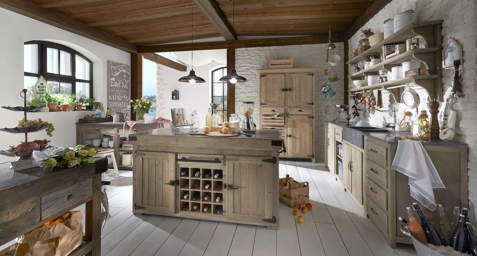 Küchenblock mit 2 Türen und Weinregal