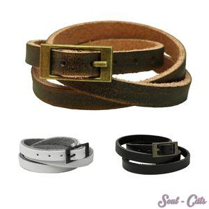 Ein trendiges Armband mit Schnalle Leder schwarz weiss braun