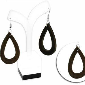 Ein Paar schöne Ohrstecker aus Holz  – Bild 2