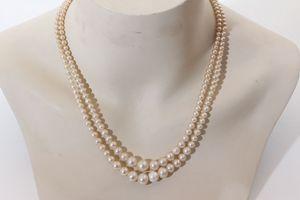 Wunderschöne Halskette Perlenkette Verschluss mit vielen Steinen Modeschmuck