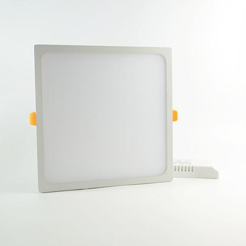 LED Panel slim 170x170mm 22W Warmweiss 2'200lm 110° mit Vorschaltgerät IP20