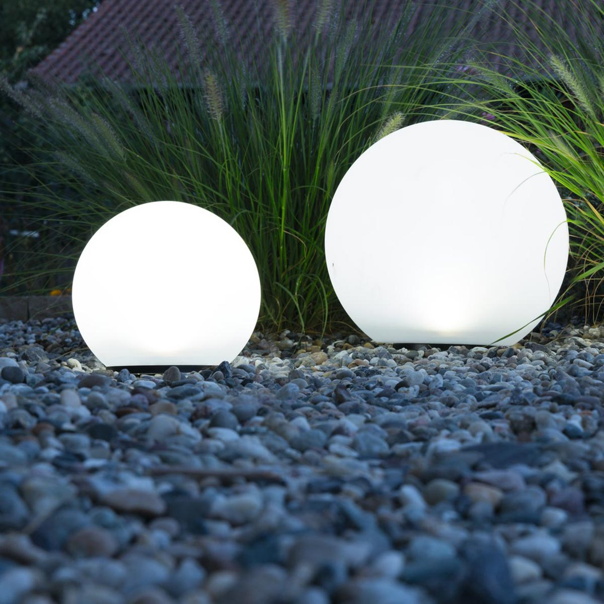 led solar kugel boule neutralweiss 200 300mm ip44. Black Bedroom Furniture Sets. Home Design Ideas