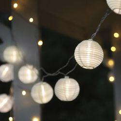 LED Lichterkette FESTIVAL weiss mit 10 warmweissen Papierlampions