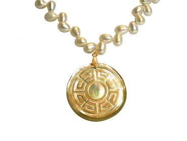 Gemshine - Damen - Halskette - Anhänger - Medaillon - Perlen - Perlmutt - Vergoldet - Bronze - Grau - Weiß - 5 cm