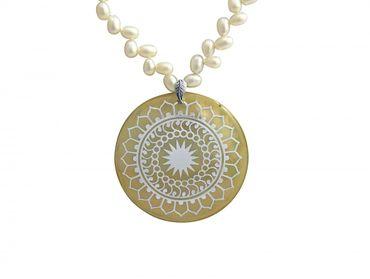 Gemshine - Damen - Halskette - Anhänger - Medaillon - Perlen - 925 Silber - Weiß - 5 cm
