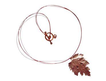 Gemshine - Damen - Halskette - Anhänger - Rose Vergoldet - Blatt - Chrysanthem - Natur - 3,5 cm