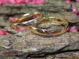 1 Paar Trauringe Eheringe 3 mm Deirdre 333 Gold Gelbgold 0,01 ct Diamant