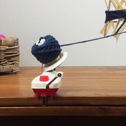 Pascuali .Yarn Ball Winder