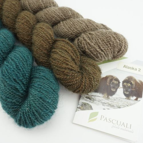 Alaska 2 . luxury yarn made from musk-ox hair