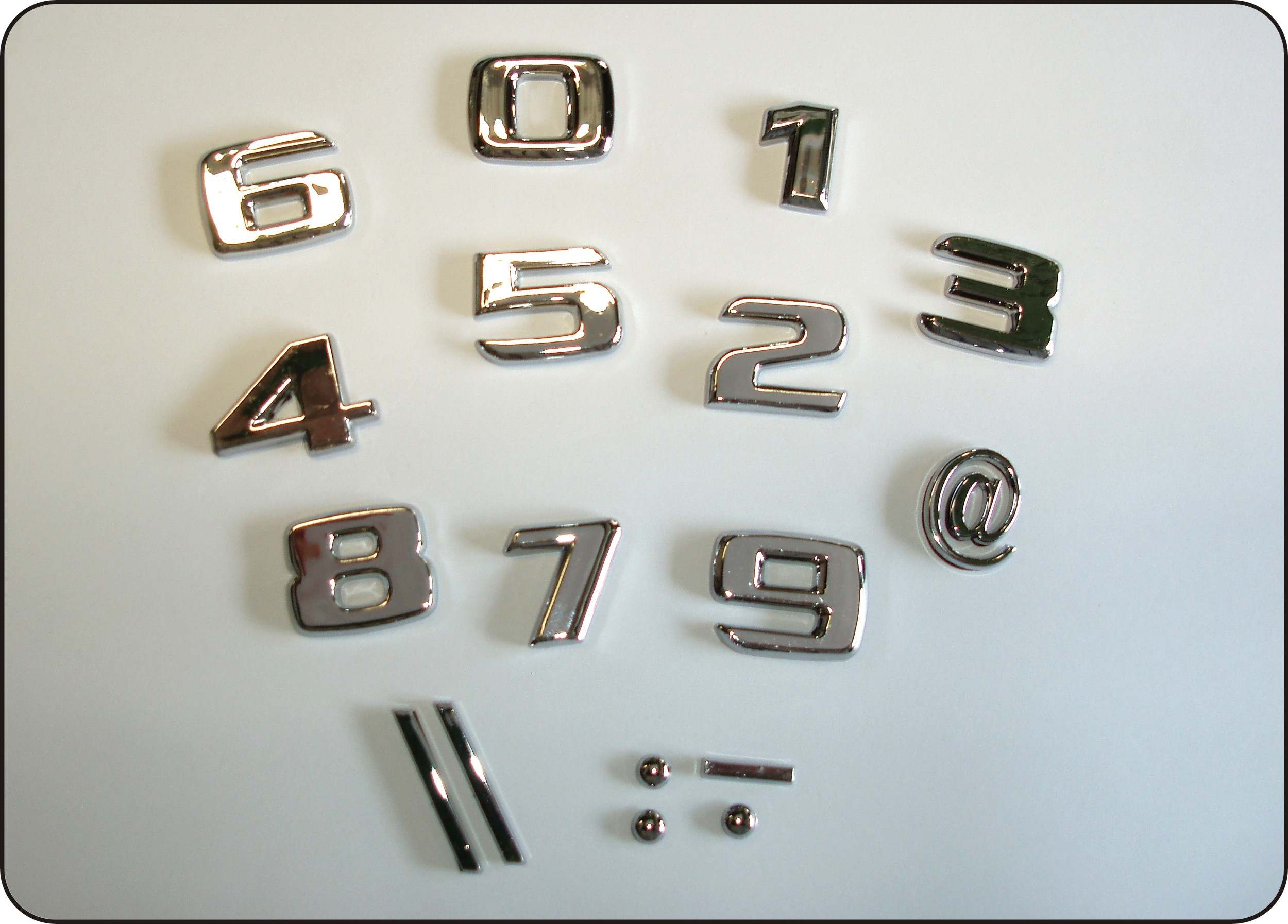 3D-Relief-Chrome-Buchstabe I – Bild 3