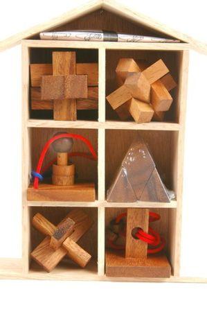 Haus der Puzzles (6 Puzzle Spiele) Holz Puzzle Knobel IQ-Spiel – Bild 1