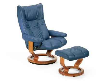 Stressless Wing M Relaxsessel mit Hocker oxford blue/eiche medium