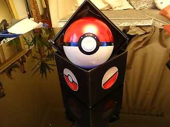 https://cdn03.plentymarkets.com/kjrbw7n8y1q1/item/images/1563/middle/New-Design-Pokemon-Ball-Power-Bank-Charger-For.jpg