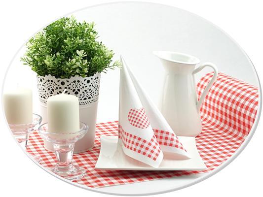 Servietten und Tischläufer in Altrosa, Rot und Taupe kariert im aktuellen Landhaus-Design