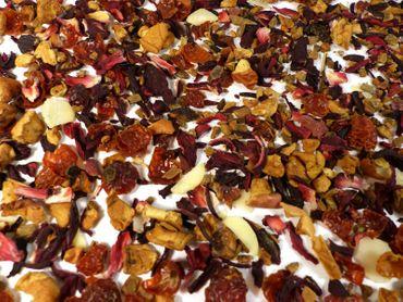 Marzipan Zimt Früchtetee Naturideen® 100g – Bild 1