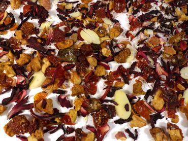 Kokos Marzipan Früchtetee Naturideen® 100g – Bild 1
