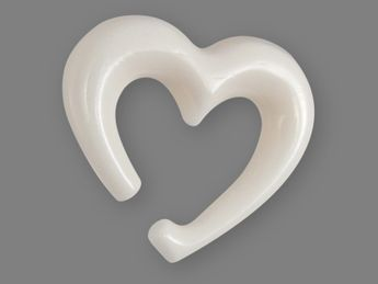 Heart Shaped Piercing Spiral Stretcher from Horn or Bone – picture 3