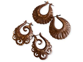 Hand carved Brown Earrings from Coconut Shell – picture 1