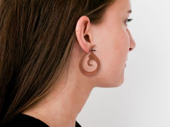 Sawo Wood Earrings - Tribal Lily with Dots – picture 5