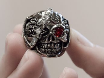 Stainless Steel Skull Ring | One-eyed pirate – picture 2