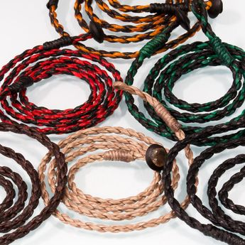 Braided and waxed necklace in six colors – picture 1