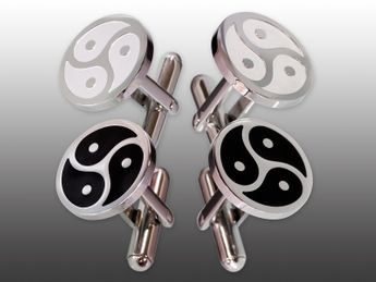 1 Pair Stainless Steel Cufflinks with BDSM Triskel Emblem – picture 1