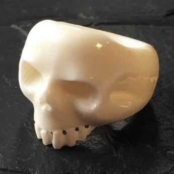 geschnitzter Knochenring - Totenkopf / Hibiskusblüte / Rose oder Boma Dämon Gesicht – Bild 3