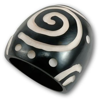 Ring from Blackened Bone with different Tribal Patterns – picture 7