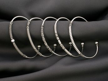 Narrow Sterling Silver Bangles - Medieval / Viking / Celtic / Antique Design – picture 3