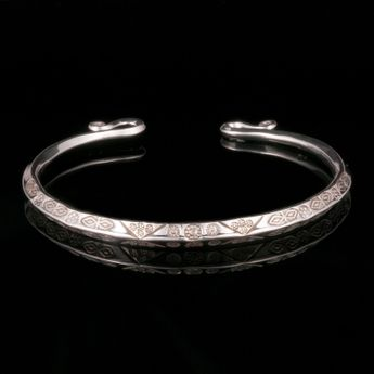 Handmade 925. Silver Bangle with ancient viking / celts ornament imprints – picture 3