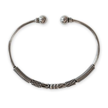 Narrow 925 Sterling Silver Bangle - Medieval Design – picture 4