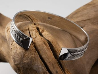 Classic 925 Sterling Silver Bangle - Medieval Pattern