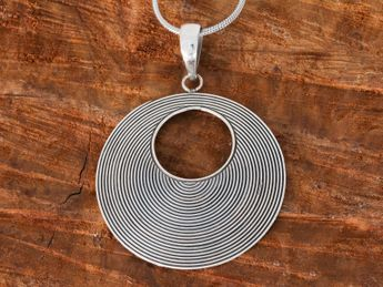 925 Sterling Silver Pendant for Women - Bali Jewelry – picture 3