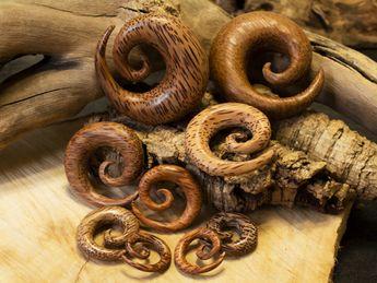 Dilatador Espiral hecho de Madera de Palmera Coco com brillo – picture 1