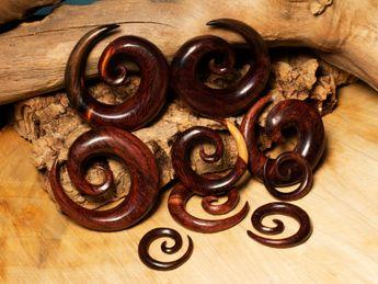 Dilatador Espiral hecho de Madera de Tamarindo – picture 1